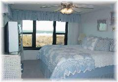 Direct Ocean Front Master Bedroom with King Bed